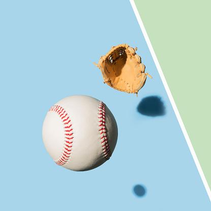 Green Background「Baseball Glove and Baseball Ball」:スマホ壁紙(13)