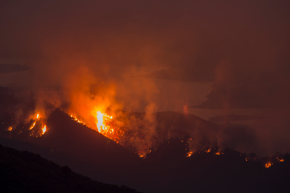 Southern California「Wildifires In Santa Barbara County Scorch Over 24,000 Acres Amid Heat Wave」:写真・画像(15)[壁紙.com]