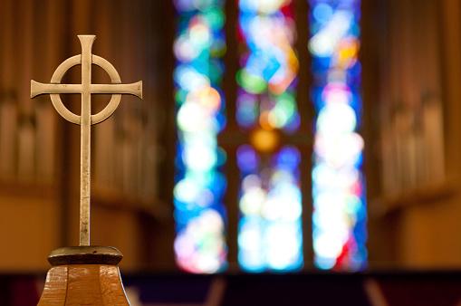 Catholicism「Cross on Church Alter」:スマホ壁紙(8)
