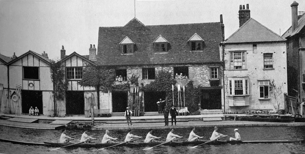 Water's Edge「'The Boathouse After Reconstruction, 1909', 1935」:写真・画像(2)[壁紙.com]