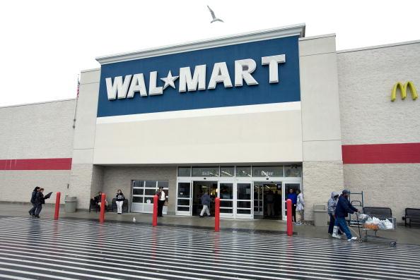 "Wal-mart「Wal-Mart Prepares For ""Black Friday"" Shopping Mania」:写真・画像(0)[壁紙.com]"