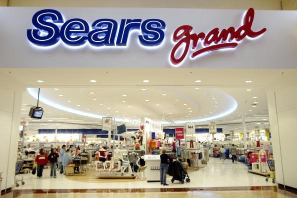 Sears Roebuck And Company「Sears Opens Grand Pilot Stores」:写真・画像(17)[壁紙.com]