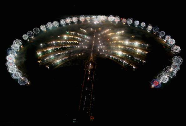 Part of a Series「Firework Display - Grand Opening of Atlantis, The Palm」:写真・画像(18)[壁紙.com]