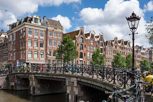 Canal「Netherlands, Amsterdam, town canal bridge in the old town」:スマホ壁紙(18)