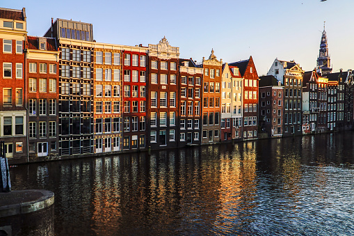 Amsterdam「Netherlands, Amsterdam, Damrak, view to row of canal houses in the old town」:スマホ壁紙(6)
