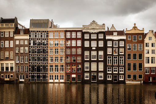 Amsterdam「Netherlands, Amsterdam, Row of houses at a gracht」:スマホ壁紙(8)