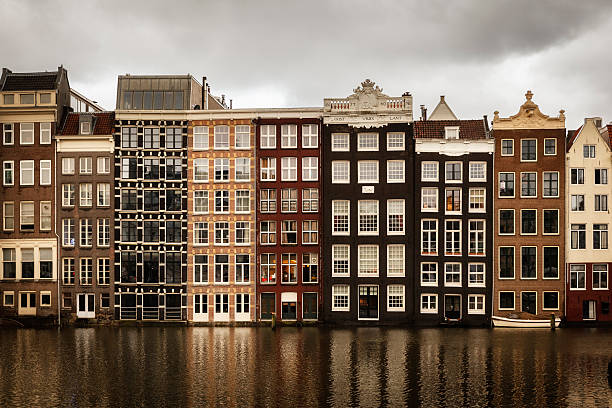 Netherlands, Amsterdam, Row of houses at a gracht:スマホ壁紙(壁紙.com)