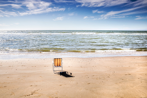 Camping Chair「Netherlands, Zandvoort, empty chair on the beach」:スマホ壁紙(17)