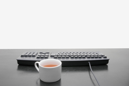 Coffee Break「Computer Keyboard and Tea Cup」:スマホ壁紙(5)