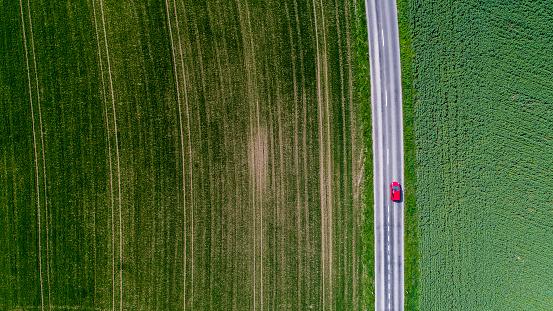 田畑「Car surrounded by fields, Genolier, Vaud Canton, Switzerland」:スマホ壁紙(7)