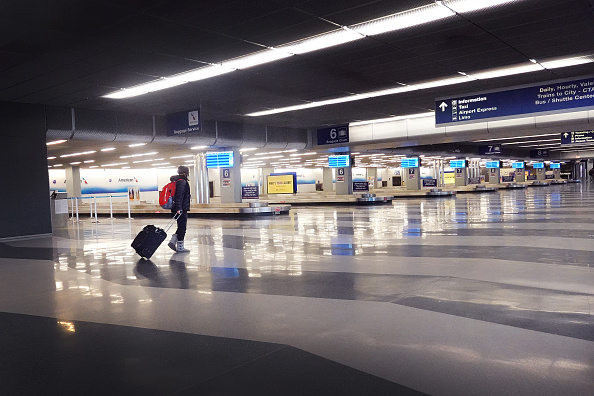 O'Hare Airport「Airports Across Country See Dramatic Slowdown Over Coronavirus Impacts On Travel」:写真・画像(9)[壁紙.com]