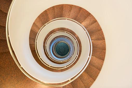 Basement「Spiral staircase」:スマホ壁紙(6)