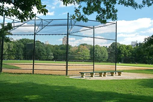 Fence「An empty softball field in Central Park, NY」:スマホ壁紙(4)