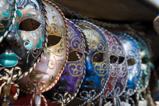 Celebration Event「Row of Venetian carnival masks」:スマホ壁紙(14)