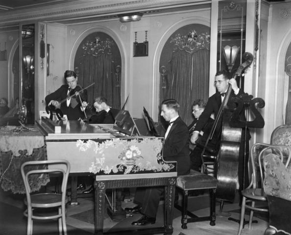 Violin「Ship's Orchestra」:写真・画像(17)[壁紙.com]
