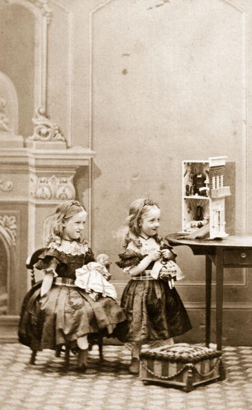 19th Century Style「Victorian Dolls」:写真・画像(16)[壁紙.com]