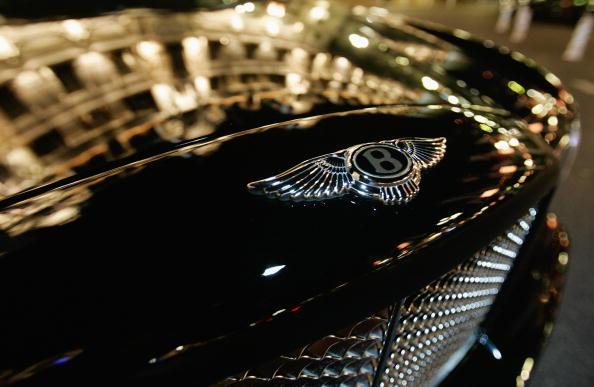Bentley「Bentley Luxury Symbol Around The World」:写真・画像(1)[壁紙.com]