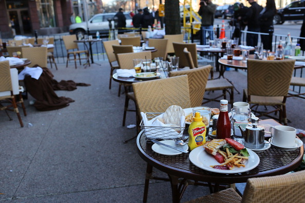 Table「Boston Deals With Aftermath Of Marathon Explosions」:写真・画像(12)[壁紙.com]