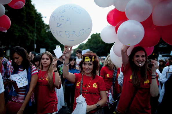 Pablo Blazquez Dominguez「Young Scientists Protest In Madrid Against Cutback In R&D In Sciences」:写真・画像(3)[壁紙.com]