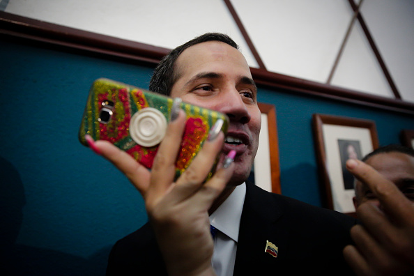 Conference Phone「Juan Guaido Press Conference」:写真・画像(7)[壁紙.com]