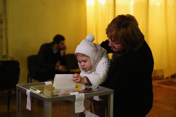 Simferopol「Crimea Goes To The Polls In Crucial Referendum」:写真・画像(19)[壁紙.com]