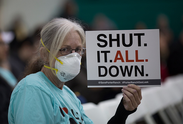 Natural Gas「Community Hearing Held Over Ongoing Porter Ranch Gas Leak」:写真・画像(17)[壁紙.com]