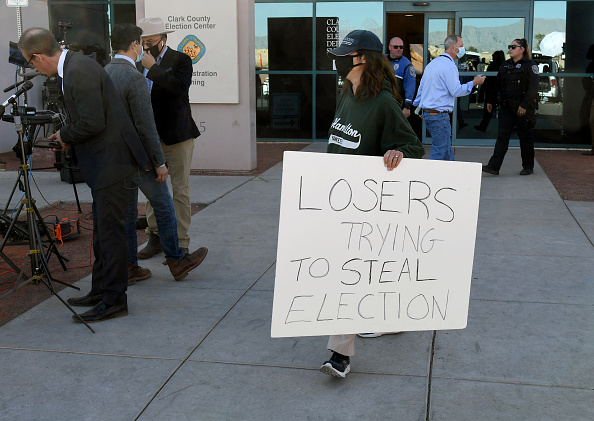 Information Medium「Clark County Election Officials Continue Vote Tabulation」:写真・画像(17)[壁紙.com]
