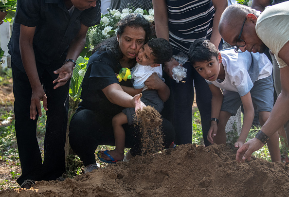 Negombo「Sri Lanka Mourns Victims of Easter Sunday Bombings」:写真・画像(9)[壁紙.com]