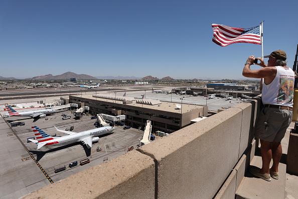 Arizona「President Trump Departs White House For Visit To Honeywell Facility In Arizona」:写真・画像(14)[壁紙.com]