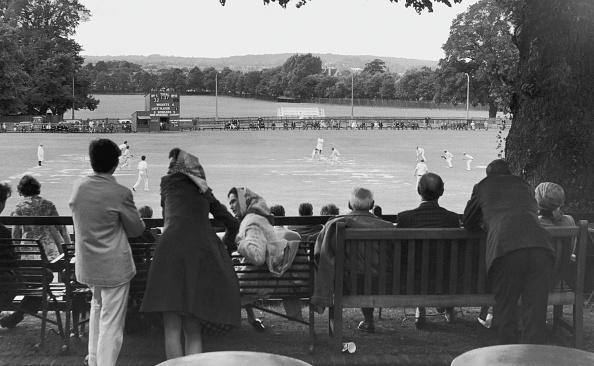 Bench「Cricket At Harrow」:写真・画像(8)[壁紙.com]