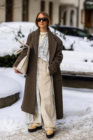 Wide Leg Pants「Day 2 - Street Style - Stockholm Fashion Week Autumn/Winter 2021」:写真・画像(1)[壁紙.com]