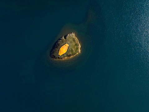 Tent「Yellow tent on small island surrounded by water」:スマホ壁紙(10)