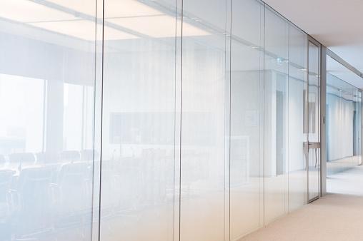 Corporate Business「Bright contemporary plain office glass walls」:スマホ壁紙(4)