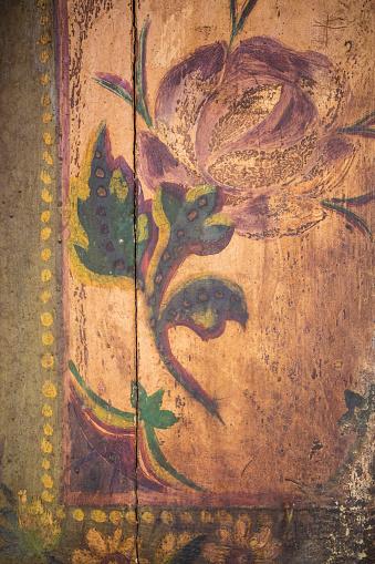 バラ「Painting on shutter,  Udaipur, Rajasthan, India」:スマホ壁紙(15)