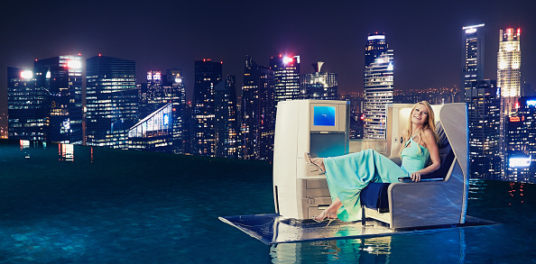 Infinity Pool「Gwyneth Paltrow Launches British Airways' A380 To Singapore」:写真・画像(3)[壁紙.com]