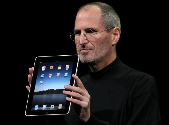 Steve Jobs「Apple Announces Launch Of New Tablet Computer」:写真・画像(11)[壁紙.com]