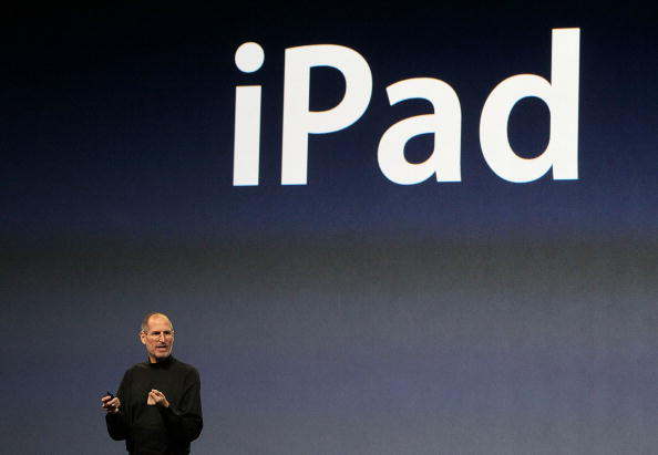 iPad「Apple Announces Launch Of New Tablet Computer」:写真・画像(16)[壁紙.com]