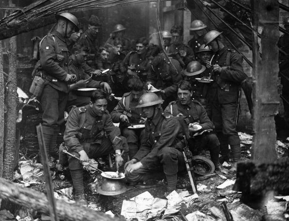 Dublin - Republic of Ireland「Soldiers Eating」:写真・画像(5)[壁紙.com]