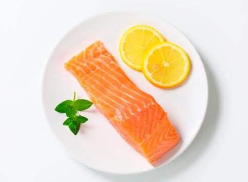 Salmon Steak「salmon fillet on a plate」:スマホ壁紙(8)