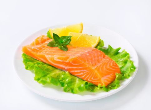 Raw Food「salmon fillet with garnish on a plate」:スマホ壁紙(7)
