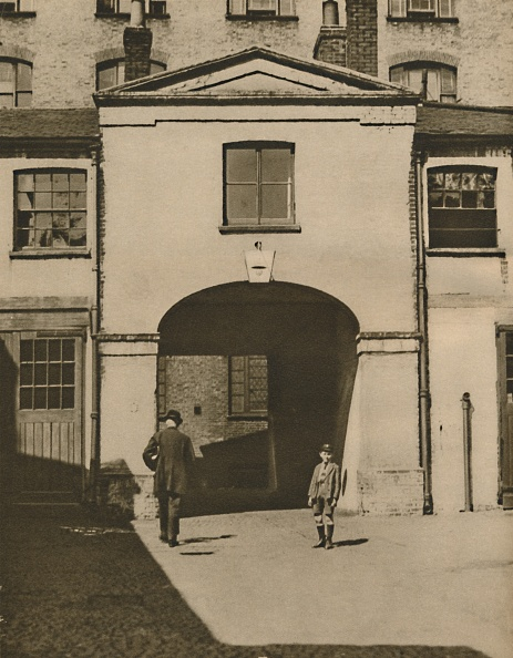 Architectural Feature「Old Mews Said To Have Been The Iron Dukes Stables At Knightsbridge C」:写真・画像(11)[壁紙.com]