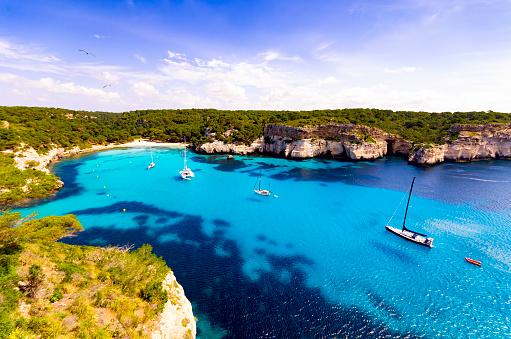 Sailboat「Spain, Menorca, Cala Macarella」:スマホ壁紙(13)