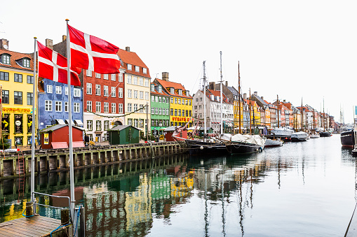 Danish Culture「View of Nyhavn Canal」:スマホ壁紙(6)