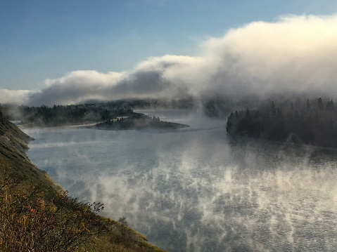 Boreal Forest「Fog Rising From Scenic River Landscape British Columbia Canada」:スマホ壁紙(15)