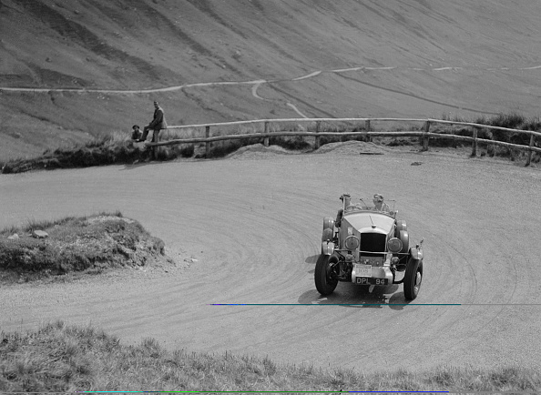 Curve「Railton of J Kingston-Whittaker, RSAC Scottish Rally, 1937」:写真・画像(5)[壁紙.com]