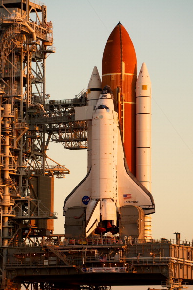 Space Shuttle Endeavor「Space Shuttle Endeavour Arrives At Launch Pad Ahead Of Final Flight」:写真・画像(17)[壁紙.com]