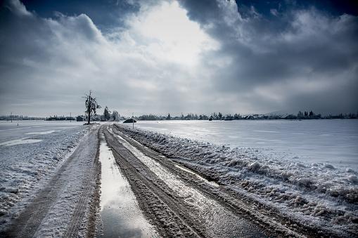 Horror「Country Road in Winter」:スマホ壁紙(15)