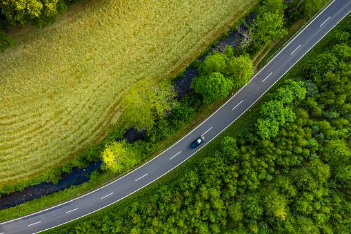 Dividing Line - Road Marking「Country road in Westerwald region」:スマホ壁紙(13)