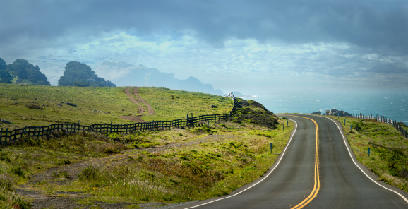 California State Route 1「Country Road and Fence」:スマホ壁紙(3)