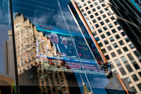 Drew Angerer「Former Special Counsel Robert Mueller's Testimony To House Committee On Russia Investigation Is Shown In New York」:写真・画像(11)[壁紙.com]